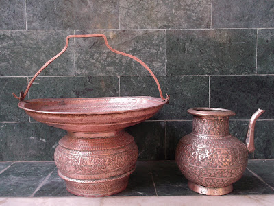 Antique Mobile Wash Basin